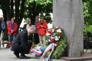 Vertreter der russischen Botschaft legten Kränze nieder.