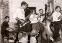 Amand Gordon und sein Ragtime Jazz Band war eine von zahlreichen Bands, die live im Jazz Saloon auftraten.