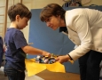 Zum Abschluss verteilte die Staatssekretärin Sabine Toepfer-Kataw Süßigkeiten an die Knirpse.