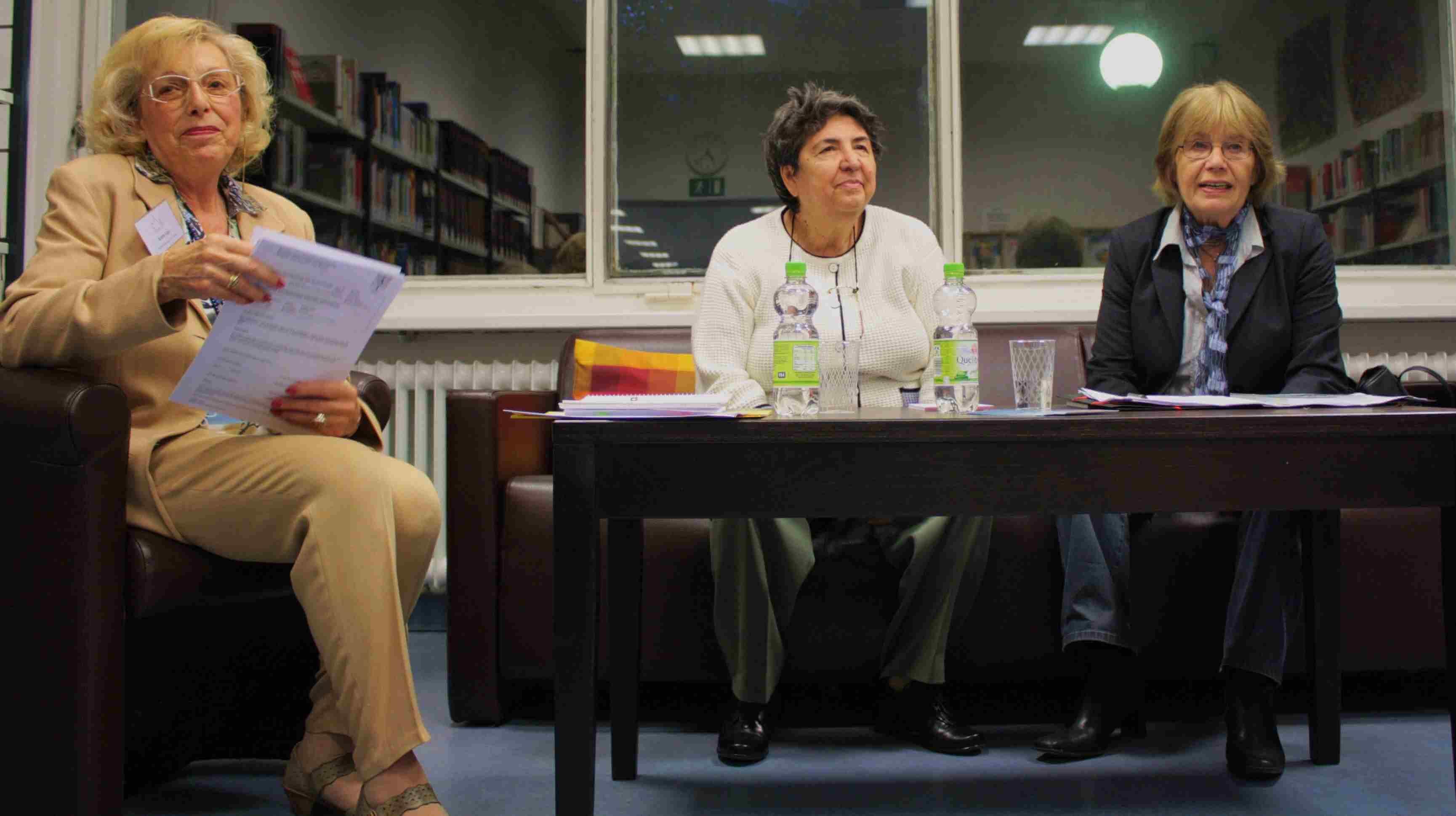 """""""Alle hatten Gründe wegzugehen"""": Marianne Suhr stellte ihr neues Buch über Einwanderer vor"""