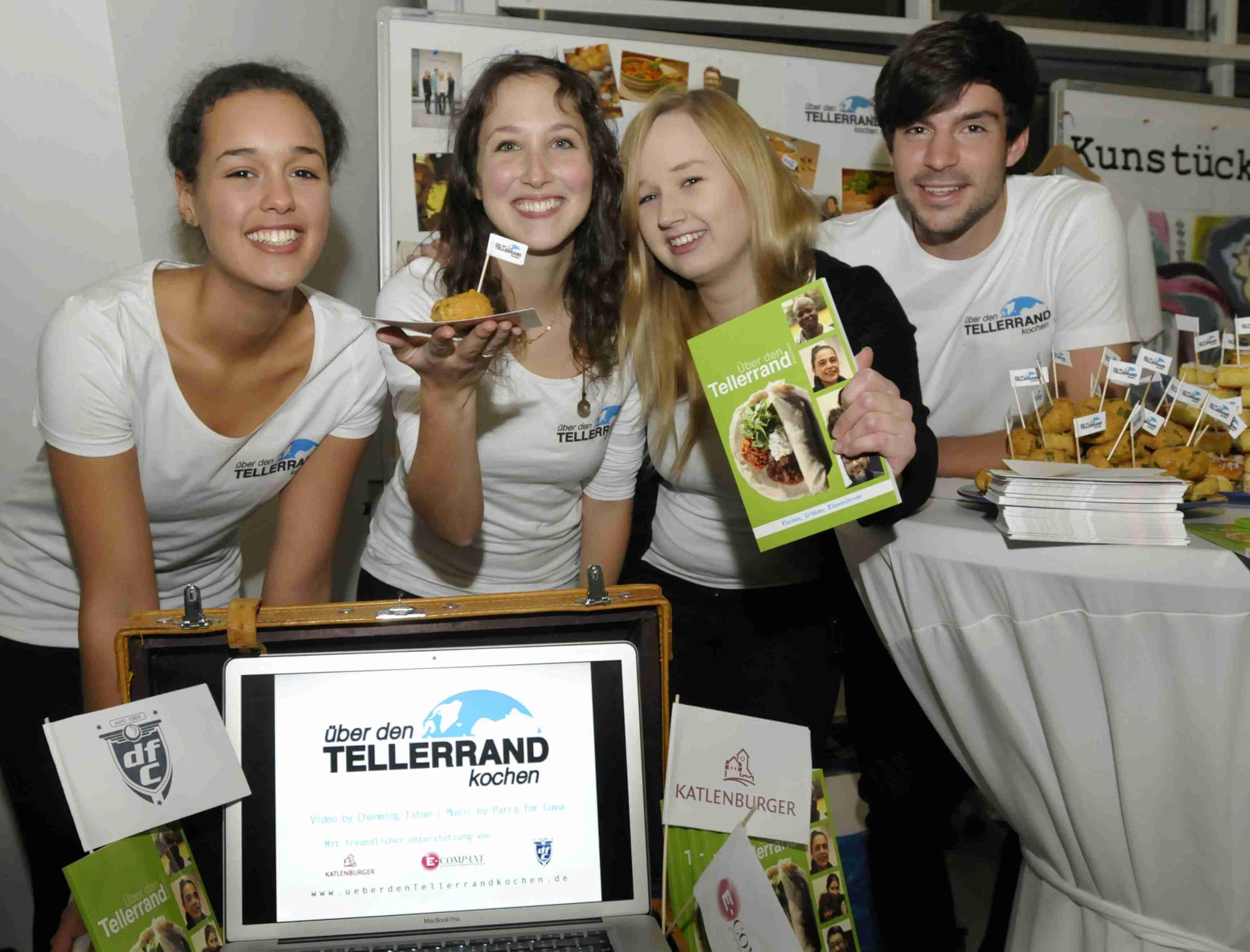 """Kochbuch mit Asylanten beim Wettbewerb """"go for social!"""" ausgezeichnet."""