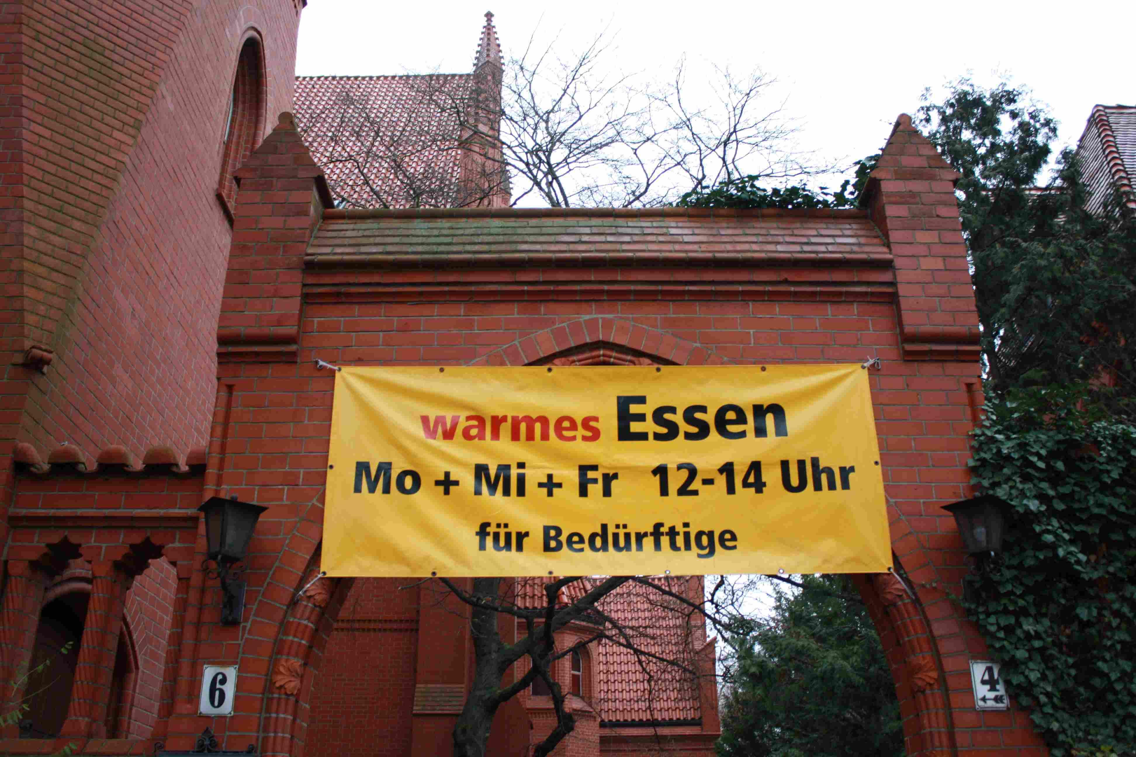 """""""Aktion Warmes Essen"""" startet im Oktober / Ehrenamtliche für Kleiderkammer gesucht"""