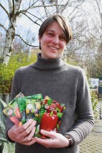 Ökotrophologin Marion Naumann hatte einen bunten Strauß Samen dabei. Foto: Gogol