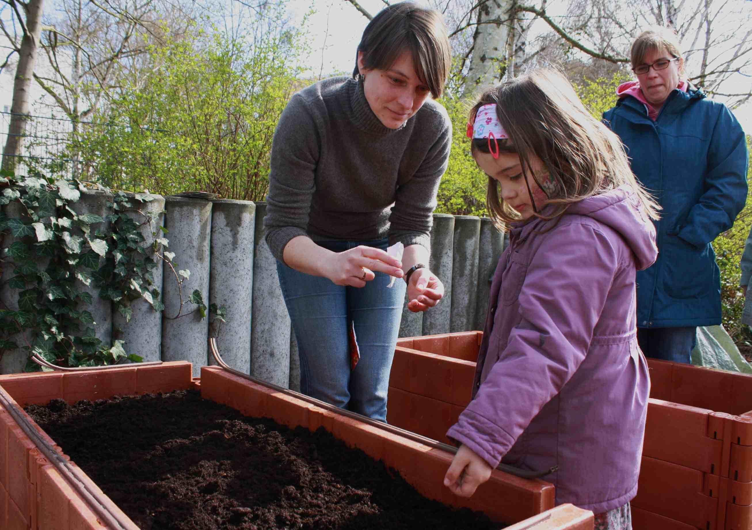 """An die Beete!: Urban Gardening-Projekt """"Essbares Zehlendorf"""" gestartet"""