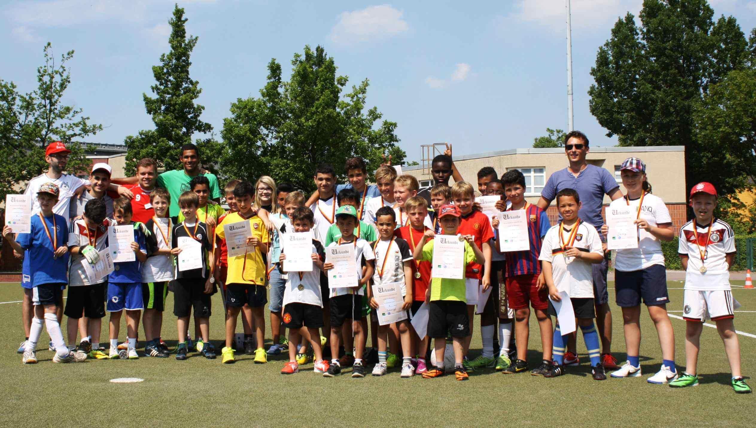 Mit Fußball die Welt verstehen lernen: Ferien-WM beendet/Internationale Projekte im Bezirk
