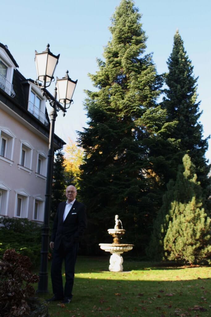 Weihnachtsbaum Berlin.Ein Weihnachtsbaum Für Berlin Lichterfelder Spendet Nordmanntanne