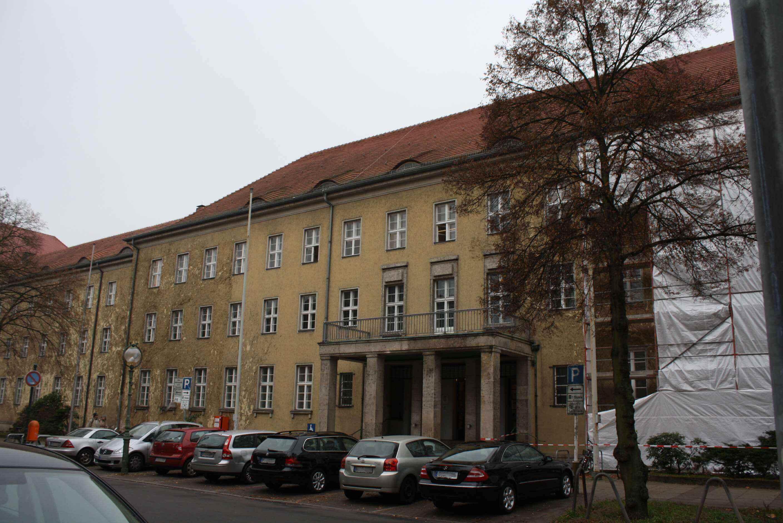 """AfD """"Bürgerdialog"""" in Zehlendorf bringt den Bezirk bundesweit in die Schlagzeilen"""