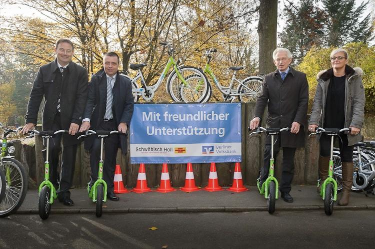 Verkehrsschule Steglitz erhält 25 neue Fahrräder