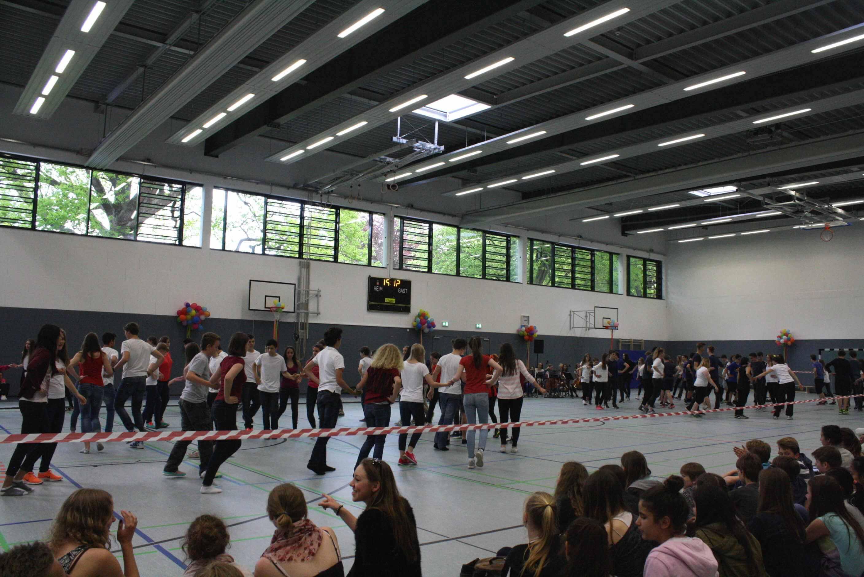 """""""Wunder gibt es immer wieder"""": Goethe-Schule weiht neue Sporthalle ein – 50 Jahre nach erster Antragstellung"""