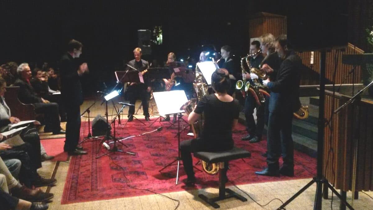 Ein Konzert von und für die Musikschule: Musikschüler protestieren, um ihre Schule zu erhalten