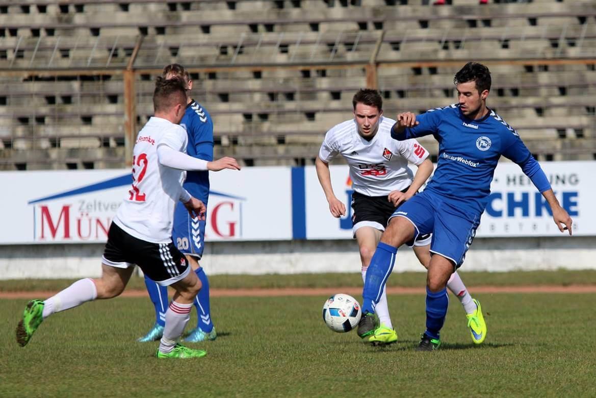 """Profifußball in Zehlendorf: """"kleine Hertha"""" gegen Eisern Union"""