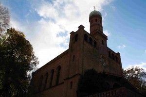 Romantisch: Das Glockenspiel der Kirche Peter und Paul. Archiv-Foto: Gogol