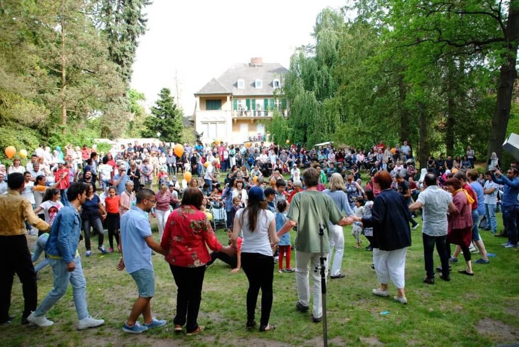 Gemeinsam wurde getanzt, gesungen und gefeiert. Foto: Willkommensbündnis