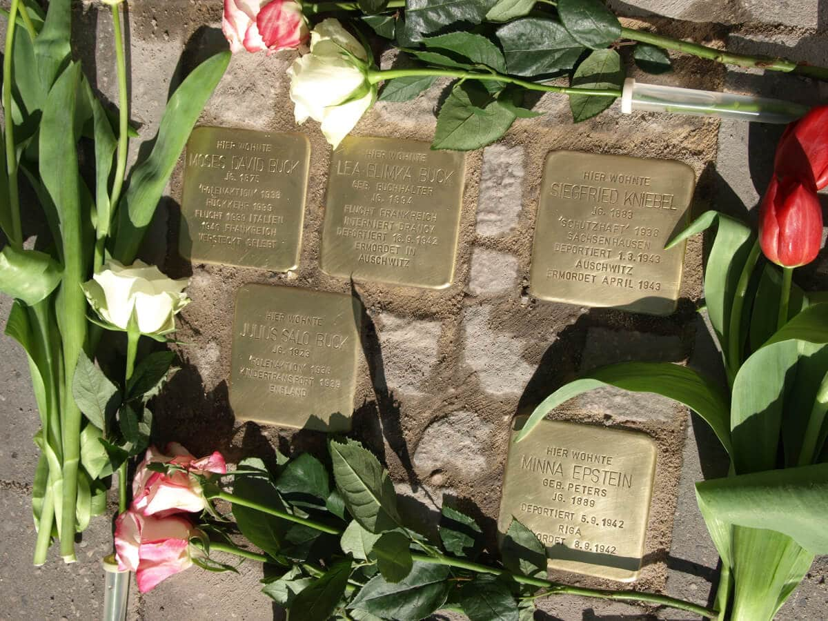 Zehn weitere Gedenksteine für die Opfer des Nationalsozialismus in Steglitz verlegt