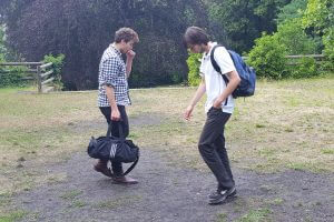Begegnungen proben die Jugendlichen beim Sommertheater im HdJ. Foto: Lackermann