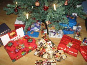 Weihnachtsgeschenke Foto: BettinaF / pixelio.de