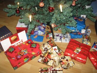Weihnachtsgeschenke für Flüchtlingskinder: Weihnachtsbasar in der Gemeinschaftsunterkunft in Lichterfelde
