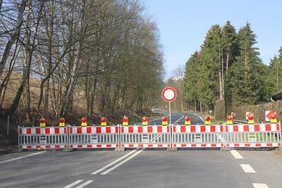 Sprengungen im Grunewald: Avus kurzzeitig gesperrt