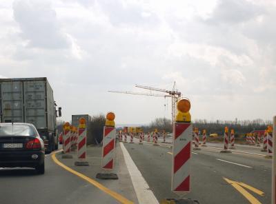 Zehlendorf: Verkehrseinschränkungen durch Abrissarbeiten am Brückenbauwerk Kleebaltt