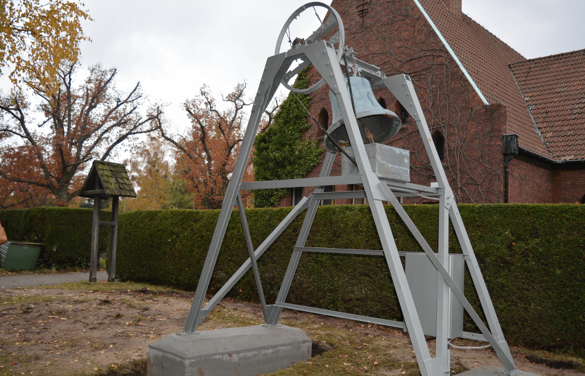 Neue Glocke für Zehlendorfer Friedhof