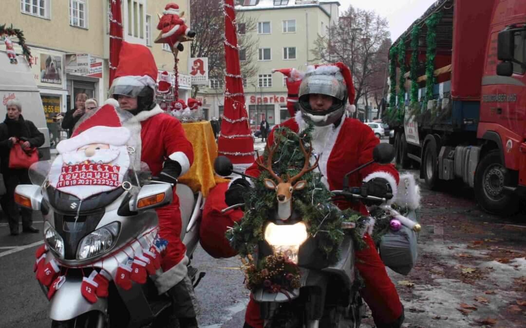 Christmas-Biker lassen Spendenkasse klingeln
