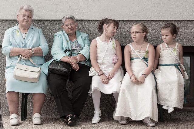 Jung und Alt – wie kann das gehen? Berliner Schülerbischöfe laden zu Podiumsdiskussion in Steglitz ein
