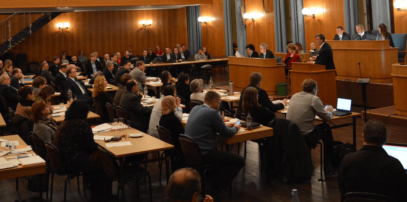 Baumfällungen in Lankwitz sorgen für hitzige Diskussionen in der BVV Steglitz-Zehlendorf