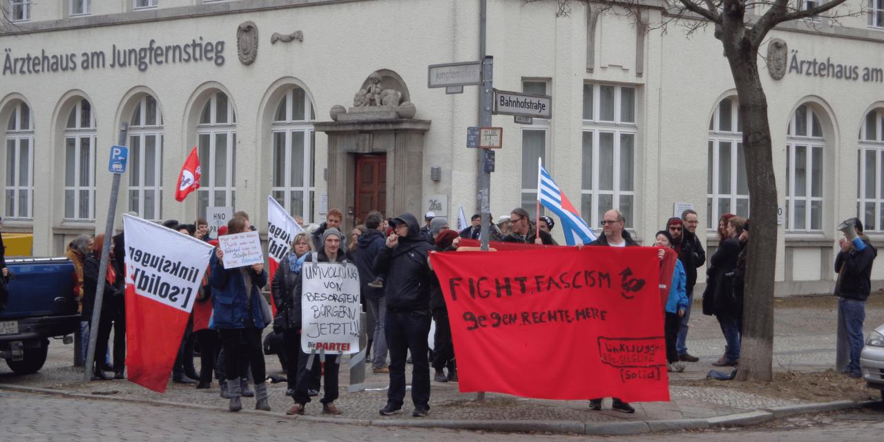 Protest gegen die Eröffnung von AfD-Abgeordnetenbüro in Lichterfelde