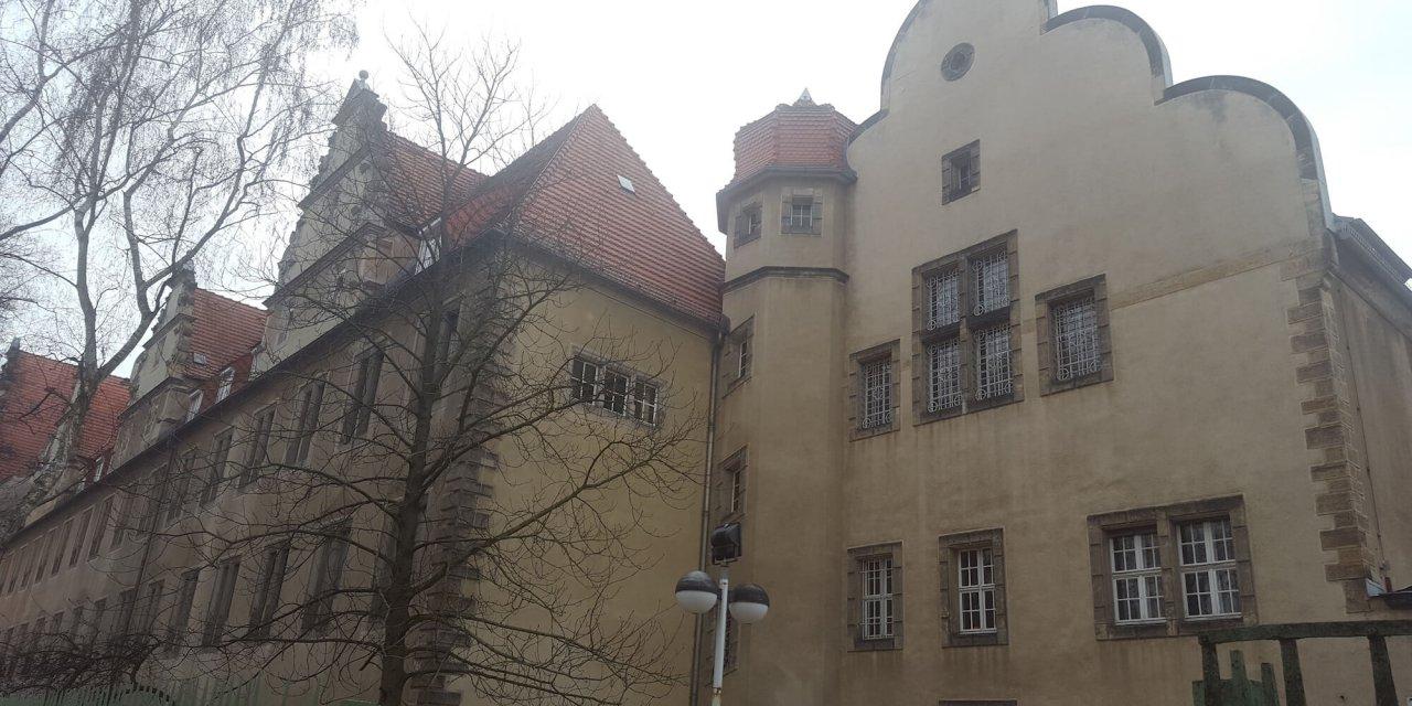 Schüler präsentieren Kunst im ehemaligen Frauengefängnis Lichterfelde