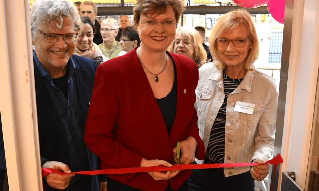 Neue Nachbarschaftsangebote in der Onkel-Toms-Hütte: Mittelhofs Kiezladen offiziell eröffnet