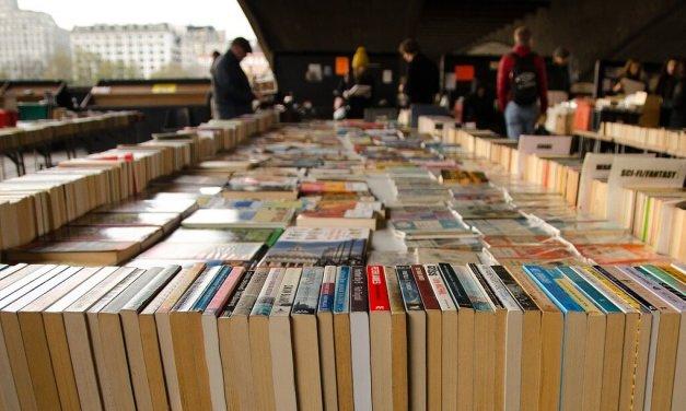 Großer Büchertrödel in der Ingeborg-Drewitz-Bibliothek