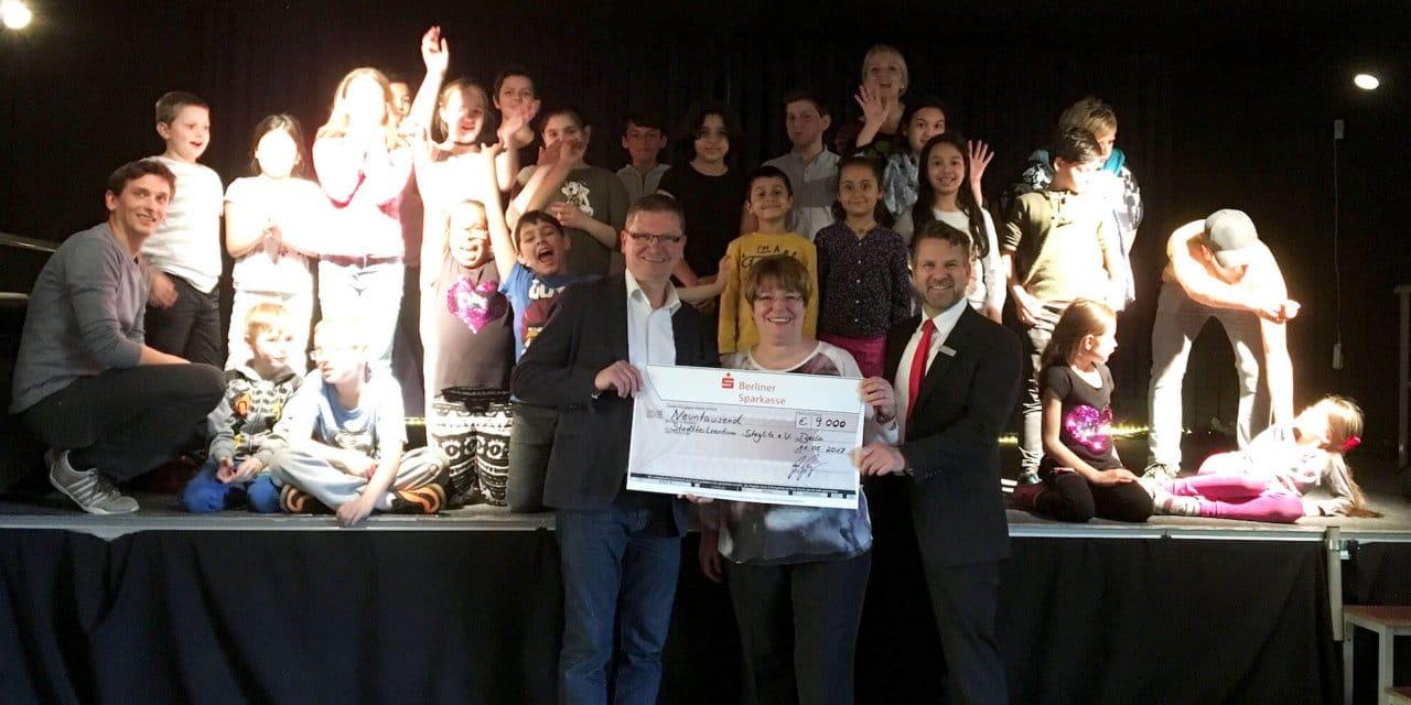Berliner Sparkasse unterstützt Lichterfelder KiJuNa mit einer Spende