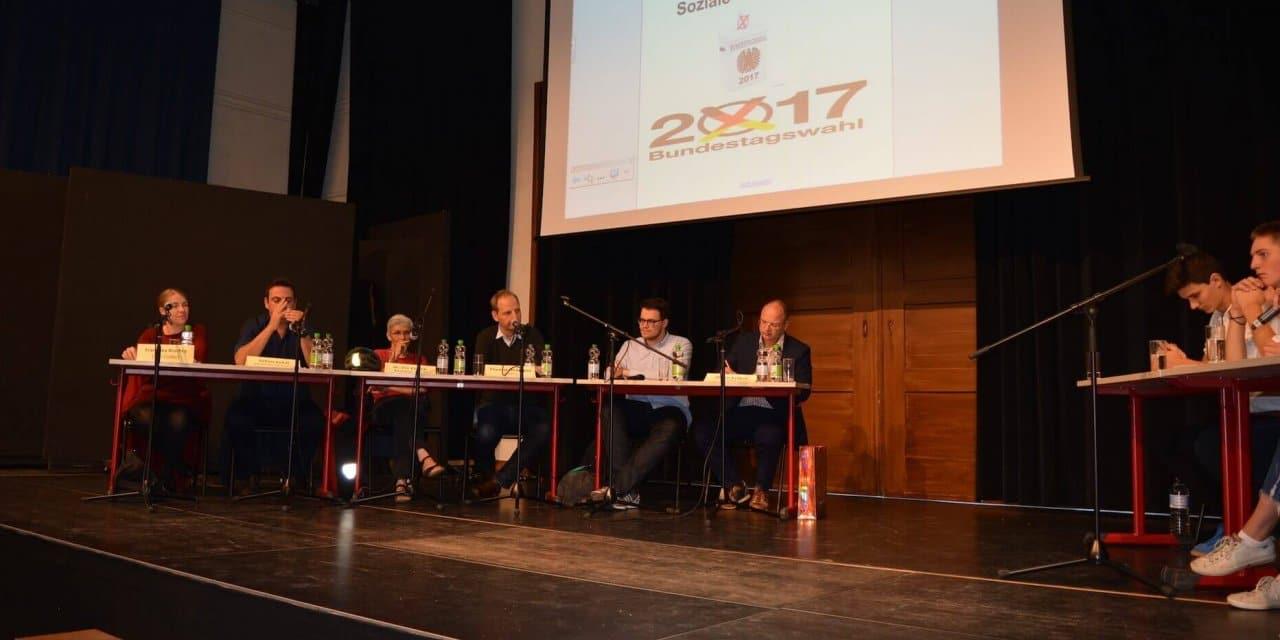 Zehlendorfer Schüler diskutieren mit Bundestagskandidaten