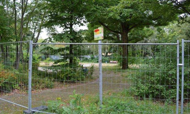 Spielplatz Ahlener Weg wird neu gemacht – Abrissarbeiten begonnen