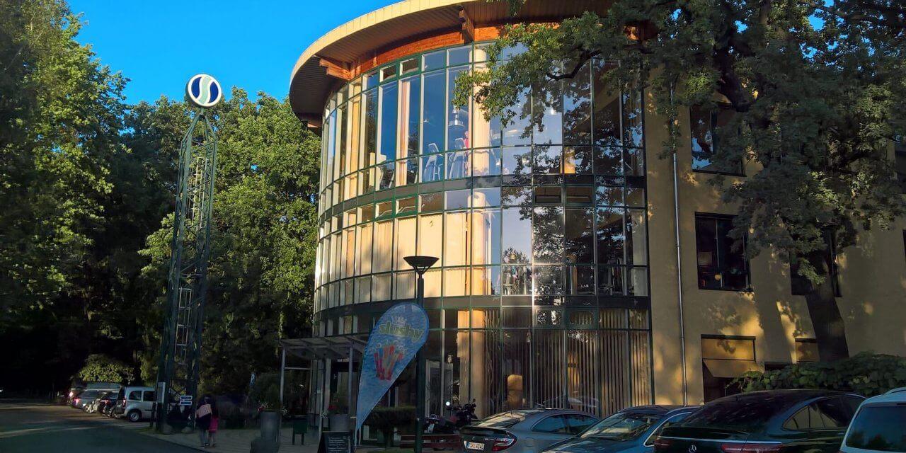 """Kleinmachnow: Das """"Sportforum"""" wächst weiter – Schwimmbad vollendet"""