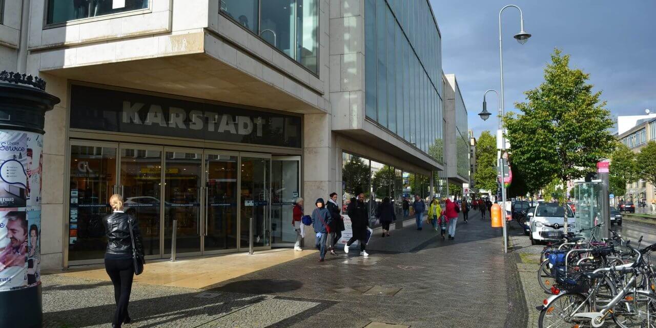 Torte und Prosecco – Karstadt-Filiale in der Schloßstraße feiert ihren 50sten