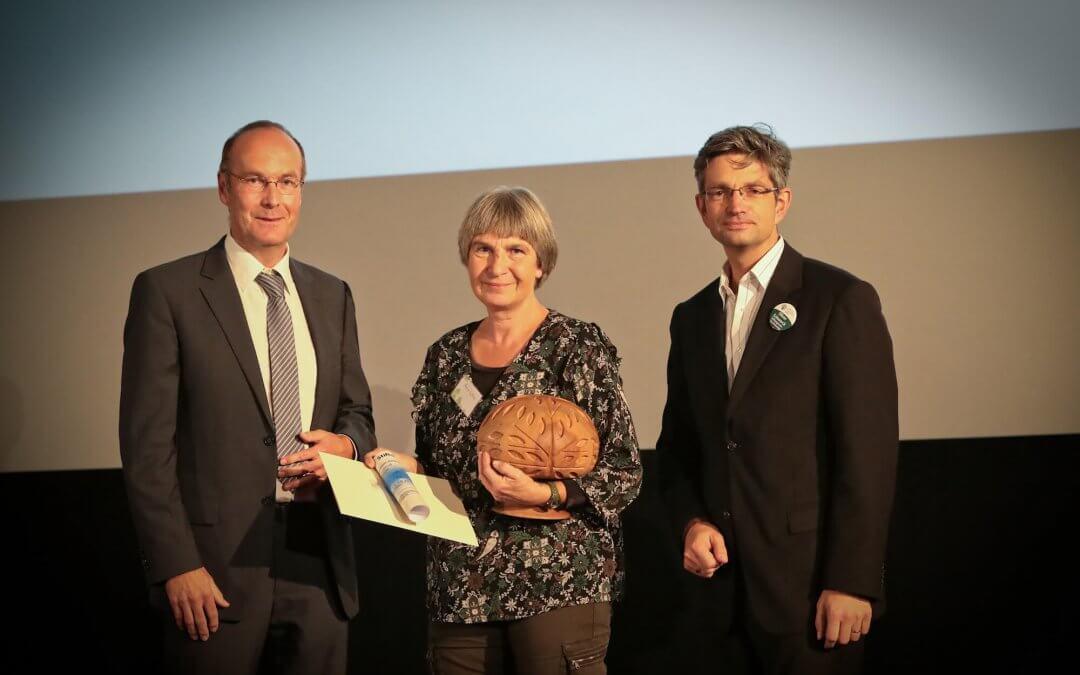 Anne Loba mit Naturschutzpreis für Lichterfelder Weidelandschaft ausgezeichnet