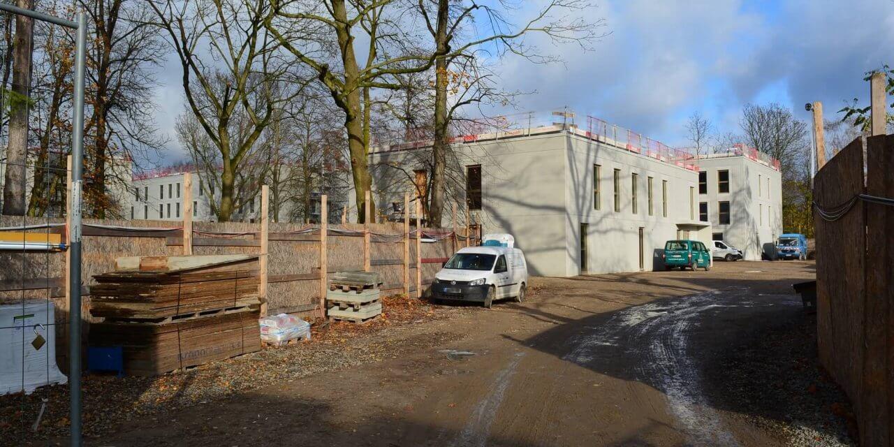Richtfest für Flüchtlingsunterkunft an der Leonorenstraße in Lankwitz gefeiert