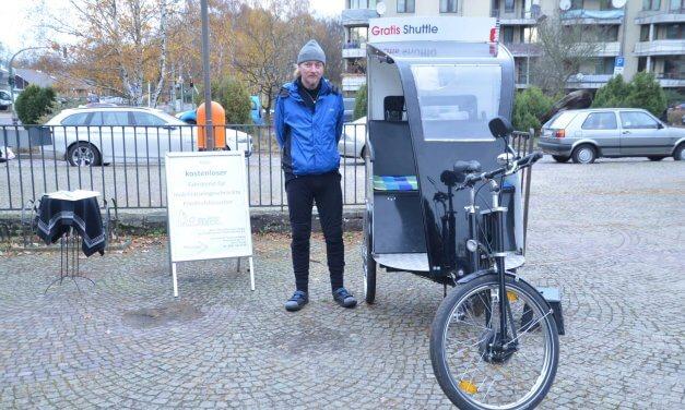 Kostenloser Rikscha-Fahrdienst am Totensonntag auf dem Waldfriedhof Zehlendorf