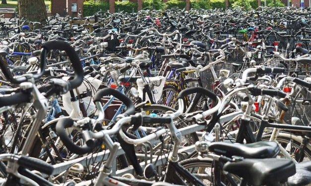 Zehlendorf bekommt mehr Fahrradstellplätze an Bahnhöfen und ein Fahrradparkhaus