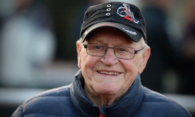 Fit wie ein Turnschuh – Günter Kunz (86) ist wohl der älteste Ordner in einem Berliner Fußball-Stadion