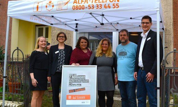 Erwachsene zum Lesenlernen ermutigen – Alfa-Mobil eröffnet Standort in Steglitz