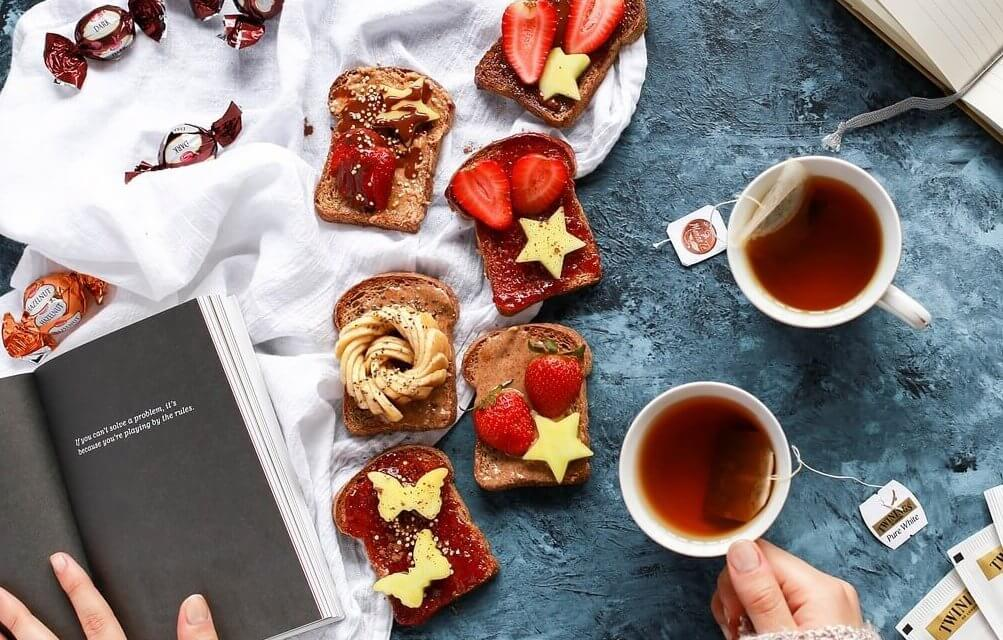 Lichterfelder Autorin lädt einmal im Monat Menschen zum Essen und Lesen ein