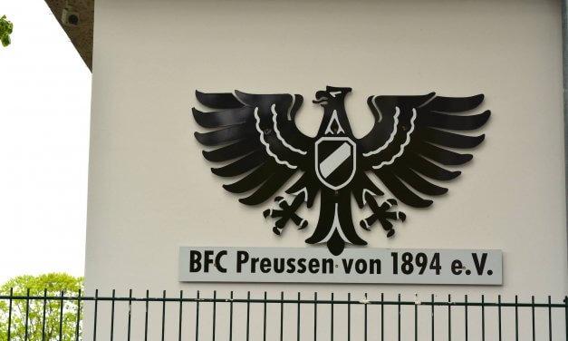 """Preussen-Fußballer mal ganz """"mütterlich"""" – freier Eintritt für alle Frauen"""