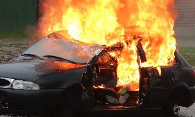 Brandstiftung in Zehlendorf: Mehrere Autos in Flammen