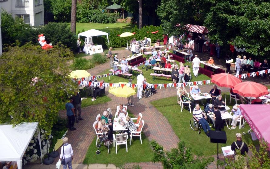 Sommerfest mit 60er Jahre Schlagerparade in der Residenz Dahlem