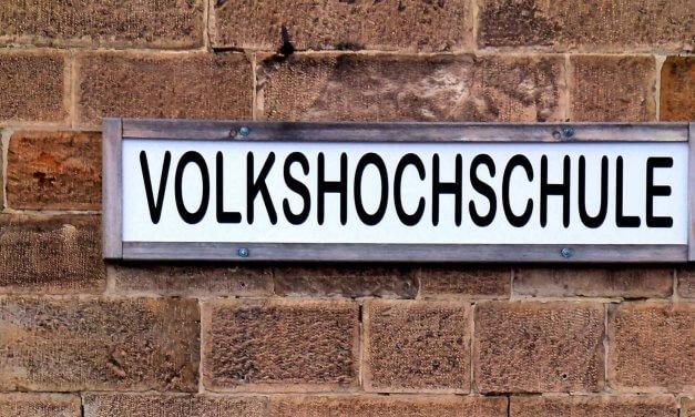 VHS Steglitz-Zehlendorf: Wiedereröffnung nach Sanierung und neues Jahresprogramm