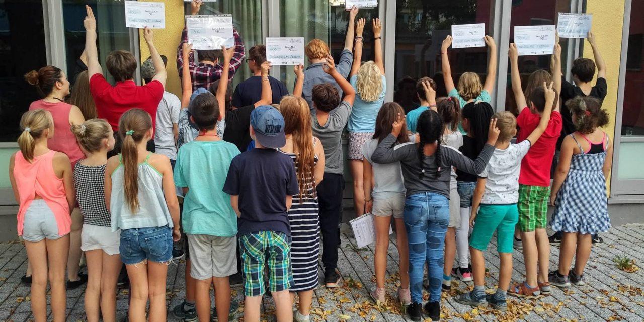 Kinder- und Jugendjury entschied über 7700 Euro