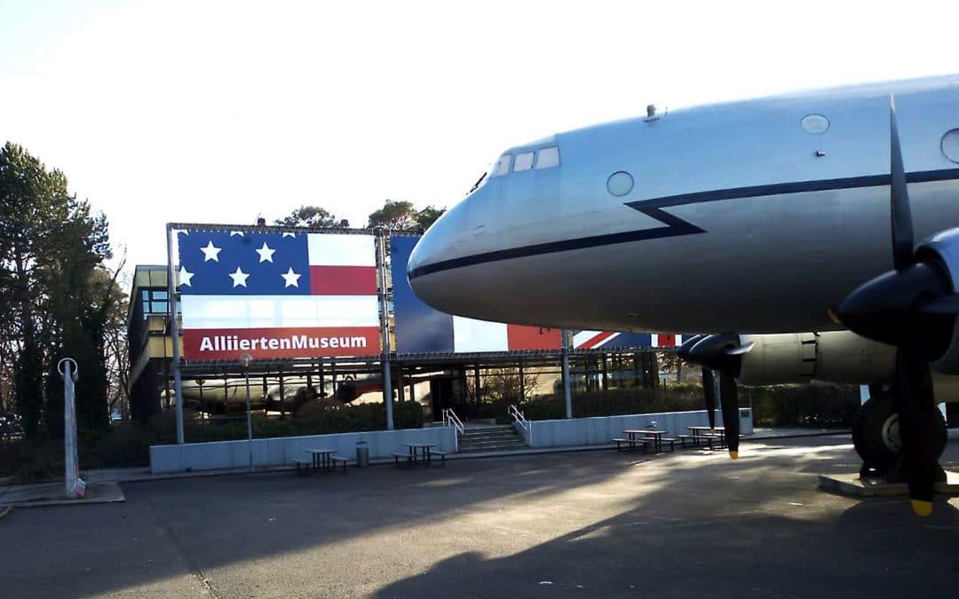 Von Flugzeugen, Flaggen und Freiheit …