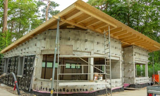 Fertigstellung des Rohbaus einer PUK des Fachbereichs Grünflächen